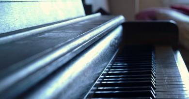 blues piano improvisation